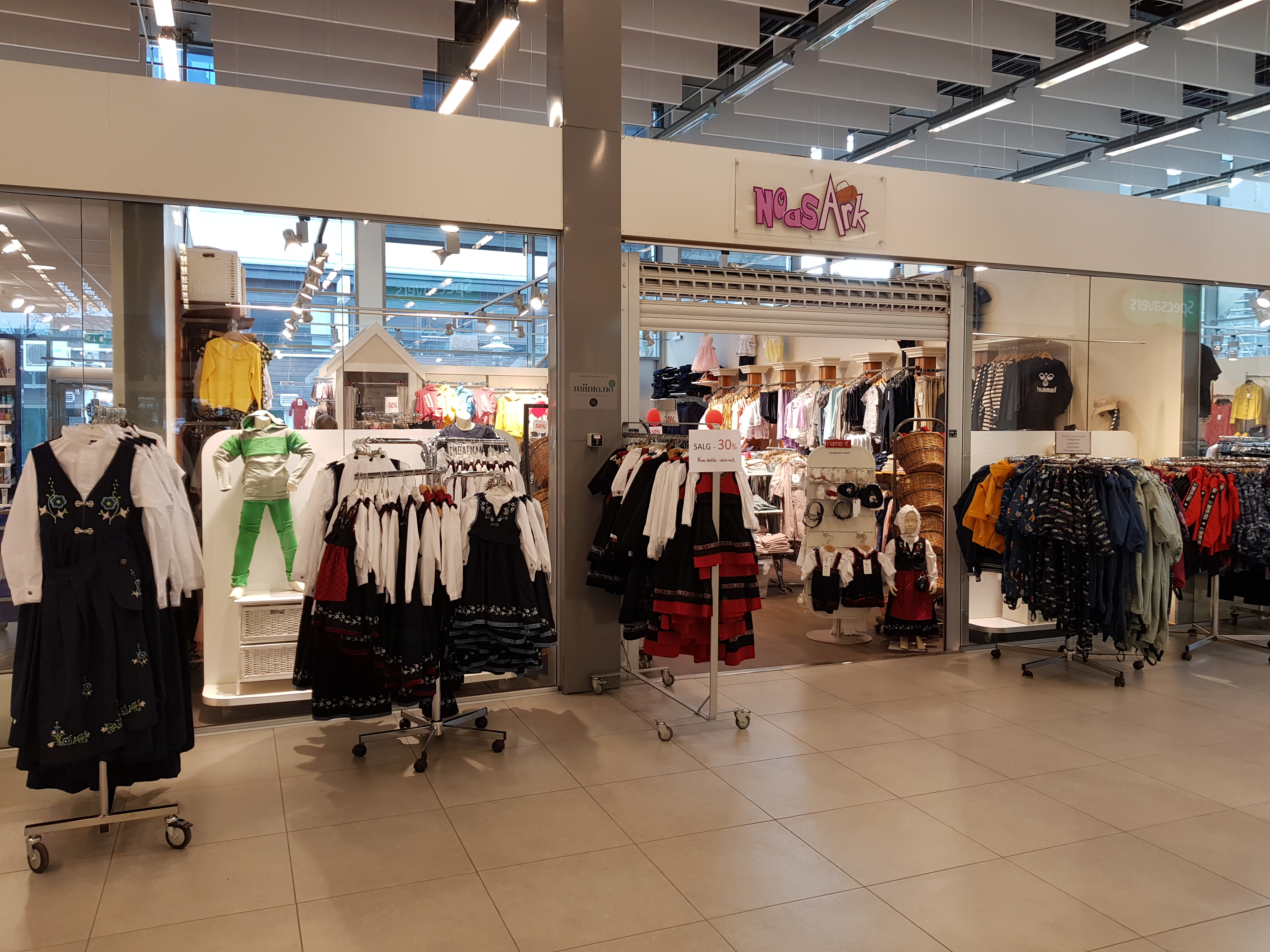 f8e8e36d Noas Ark barneklær ble startet i 2004 og er en frittstående butikk med  flere kjente merker. Vi ønsker å fylle butikken med klær til barn som er i  god ...